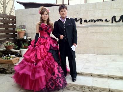 ワインレッドのカラードレス